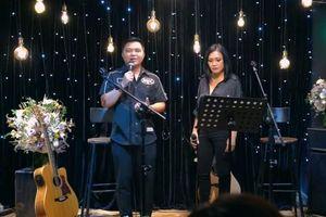 Phương Thanh khóc trong đêm nhạc tưởng nhớ Minh Thuận