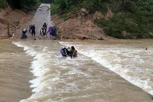 3 người bị nước cuốn trôi khi qua cầu tràn