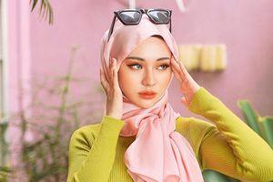 Người mẫu đạo Hồi được coi như bản sao của Song Ji Hyo