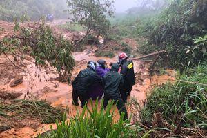 Nhiều bản làng vùng biên giới Nghệ An bị cô lập vì mưa lũ