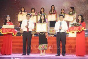 Nghệ An: Tuyên dương các học sinh đạt thành tích cao