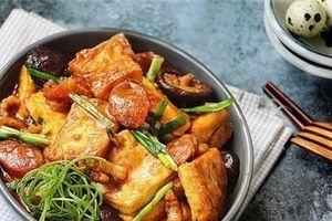 Cách làm món đậu phụ om nấm hương lạ miệng, đưa cơm cho cả nhà