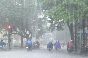 Cảnh báo chi tiết các tuyến phố Hà Nội ngập úng do mưa lớn kéo dài