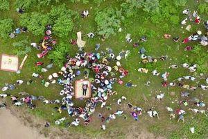 Bắc Giang: Tài xế xe tải nhảy sông cứu cô gái trẻ, cả hai tử vong