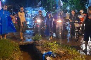 1 người rớt xuống cống nước bị cuốn mất tích trong cơn mưa lớn ở Đồng Nai