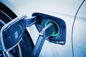 Vật liệu thay thế pin Li-ion giúp sạc ôtô điện trong vài phút