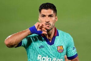 Barca chấm dứt hợp đồng với Suarez
