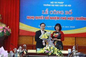 Công bố Nghị quyết bổ nhiệm Phó Hiệu trưởng Đại học Luật Hà Nội
