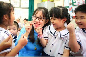 Vận dụng linh hoạt quy định khen thưởng, xử phạt học sinh