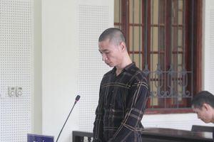 Tòa án Nghệ An tuyên xử con nghiện 'thủ' súng đạn và lượng lớn hồng phiến bên người
