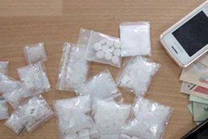 Bắt 'ông trùm' 9X bán lẻ ma túy ở Thanh Hóa