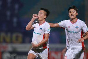 Vì sao Viettel thua Hà Nội FC, tuột chức vô địch dù chơi không tệ?