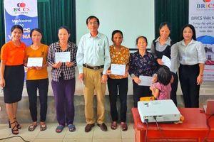 10 gói bảo hiểm tai nạn đến với người dân vùng bãi ngang Thạch Hà, Hà Tĩnh