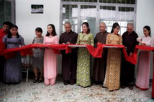 Gia Lai : Ban Văn hóa TP.HCM bàn giao 3 trường học, tặng quà