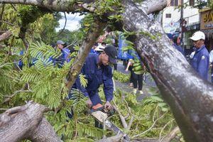 Thủ tướng Lào lo cho Việt Nam khi bão vào miền Trung