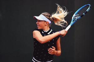 VĐV gốc Nga là bông hồng làng quần vợt