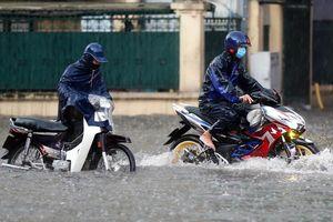 Vì sao Hà Nội mưa 130 mm chỉ trong 2 giờ?