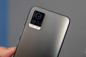 Vivo ra mắt smartphone 5G, chip S765G, RAM 8 GB, 2 camera selfie, sạc 33W, giá hơn 11 triệu