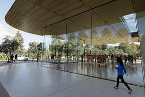 Tim Cook: 'Một phần của Apple sẽ làm việc từ xa mãi mãi'