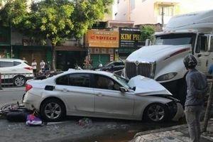Tin tức tai nạn giao thông ngày 22/9: Container gây tai nạn liên hoàn, nhiều người bị thương