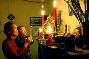Phong tục thờ cúng tổ tiên : Cầu nối đưa đạo Phật đi vào lòng dân Việt