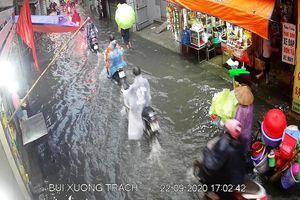 Mưa lớn gây úng ngập một số khu vực tại nội thành Hà Nội