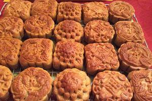Bánh Trung thu đồng loạt giảm giá