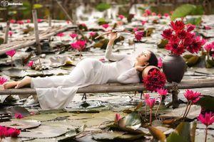 Hot girl Thủy Lợi 'đốn tim' dân mạng với bộ ảnh áo dài trắng tinh khôi