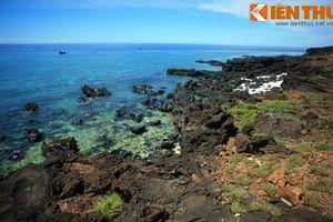 Tận mục vẻ đẹp của bãi đá nham thạch đảo Bé - Lý Sơn ngàn năm tuổi