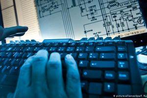 Cảnh sát Mỹ và châu Âu bắt giữ gần 200 đối tượng bán hàng quốc cấm trên web đen