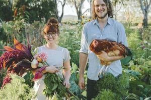 Phong cách 'về quê nuôi cá, trồng rau' tạo cảm hứng cho lối sống và thời trang