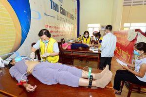Hơn 1.000 người nghèo ở Đăk Lăk được khám chữa bệnh miễn phí nhân dịp Trung thu