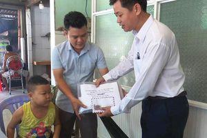 Trao hỗ trợ cho học sinh mắc bệnh hiểm nghèo