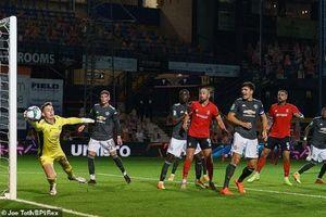 Cứu thua xuất sắc chẳng kém De Gea, thủ môn dự bị MU được khen hết lời