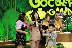 'Đại chiến đồ ăn', trai xinh gái đẹp 'lộ bản chất thật' trên sóng truyền hình