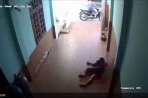 Bình Thuận: Vợ nhỏ bị chém bất tỉnh, cụ ông 73 tuổi chết trong tư thế treo cổ