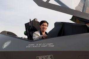Chuyện chưa kể về nhà khoa học 'giật gấu vá vai' … nghiên cứu máy bay không người lái
