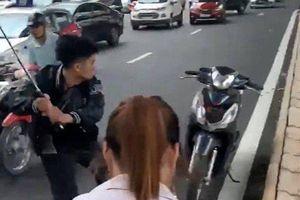 Tạm giữ thanh niên 17 tuổi đập phá xe người can ngăn sau vụ va chạm giao thông