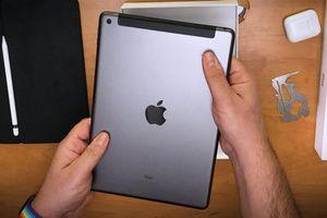 Mở hộp iPad 2020 giá từ 8,99 triệu tại Việt Nam