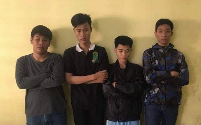 Bắt khẩn cấp 4 thanh thiếu niên chuyên cướp đồ của phụ nữ