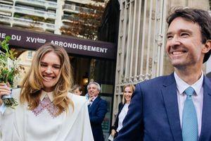 Siêu mẫu Nga một đời chồng và 5 người con gây sốt mạng xã hội khi nhận lời cầu hôn từ con trai tỷ phú Louis Vuitton