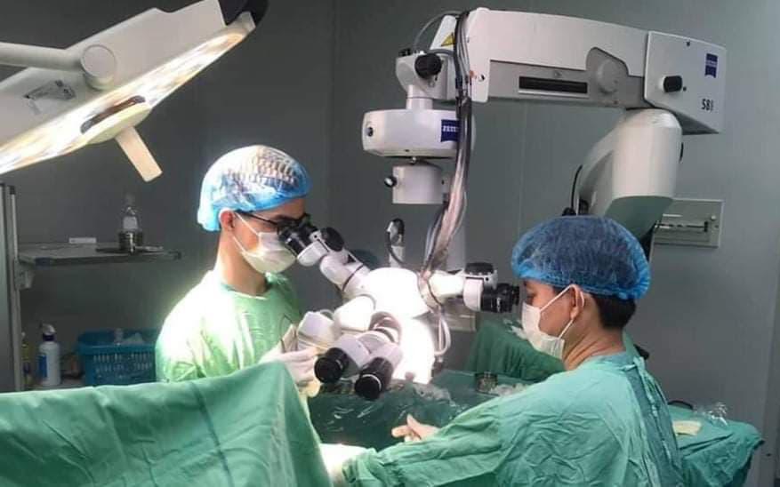 Quảng Bình: Nối thành công ngón tay bị đứt lìa dưới kính vi phẫu phóng đại