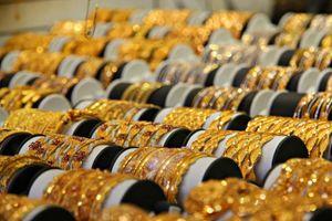 Giá vàng hôm nay ngày 24/9: Phá vỡ mức 1.900 USD, thời cơ tốt để gom vàng?
