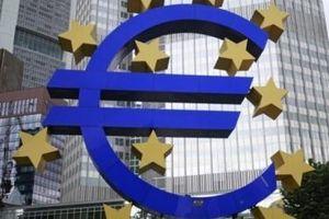 Eurozone đối mặt nguy cơ suy giảm kép