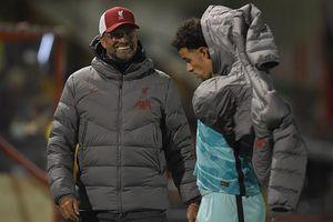 HLV Klopp ca ngợi tài năng trẻ đặc biệt của Liverpool