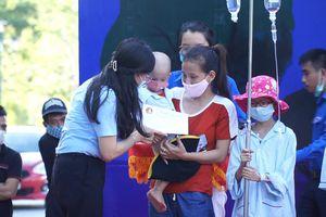 Đà Nẵng: Chăm lo trung thu cho các bệnh nhi ung thư