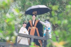 Lộ diện con trai Dương Mịch trong 'Hộc Châu phu nhân', là cậu bé 'đốn tim' người xem trong phim đình đám này