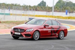 Mercedes-Benz Việt Nam đào tạo kỹ năng lái xe thể thao tốc độ