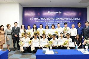 Panasonic tiếp tục trao 15 suất học bổng hỗ trợ sinh viên tài năng năm 2020