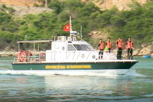 Ra quân kiểm tra, duy trì an ninh trật tự trên đảo Bình Hưng